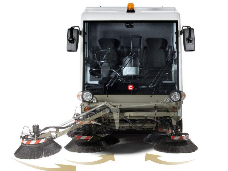 10 Vakuumines šlavimo mašinos Vacuum sweeping machines Подметально всасывающие машины