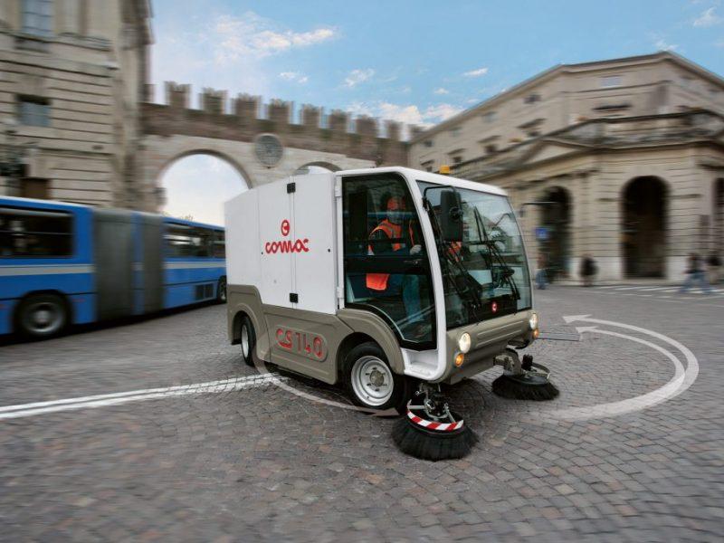 11 Vakuumines šlavimo mašinos Vacuum sweeping machines Подметально всасывающие машины
