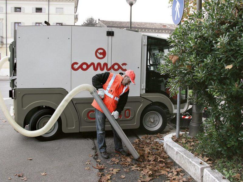 15 Vakuumines šlavimo mašinos Vacuum sweeping machines Подметально всасывающие машины