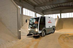5 Vakuumines šlavimo mašinos Vacuum sweeping machines Подметально всасывающие машины