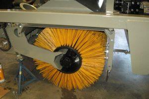 8 Vakuumines šlavimo mašinos Vacuum sweeping machines Подметально всасывающие машины